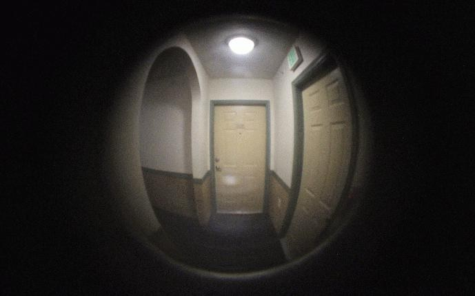 peep eye hole door hole services locksmith ajmadrid